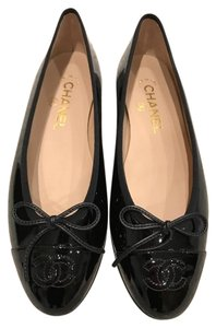 Chanel Patent Leather Classic Ballerina Ballet black Flats