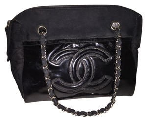 Chanel Woc Modern Patent Leather Shoulder Bag