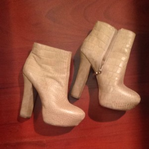 Report Signature Taupe Platforms