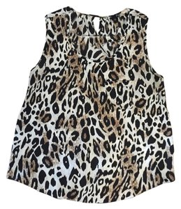Forever 21 Tulip Pocket Top Animal print