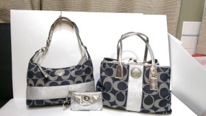 Coach Kisslock Carryall Shoulder Bag