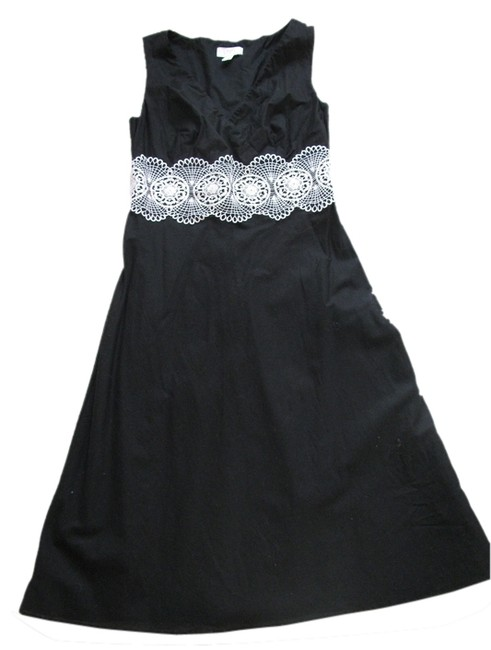 Preload https://item4.tradesy.com/images/ann-taylor-loft-black-knee-length-cocktail-dress-size-4-s-2031723-0-0.jpg?width=400&height=650