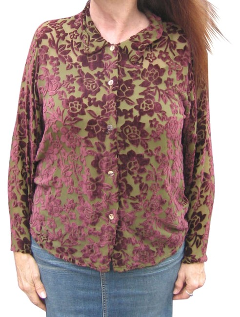Preload https://img-static.tradesy.com/item/203186/citron-olive-green-and-burgundy-laser-cut-velvet-blouse-size-10-m-0-0-650-650.jpg