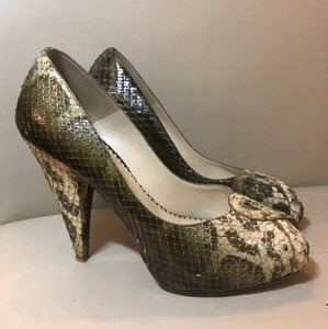 Oscar de la Renta Python Leather Snakeskin Pumps