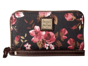 Dooney & Bourke Wristlet in Cabbage Rose/Black