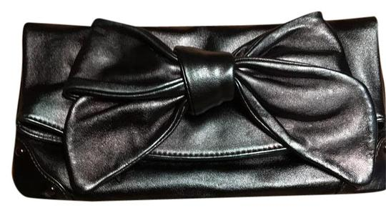Preload https://item3.tradesy.com/images/sorial-bow-1900-385-blue-metallic-leather-clutch-20322507-0-1.jpg?width=440&height=440