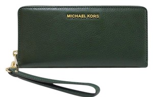 Michael Kors Nwt Green Leather 190049712986 Wristlet in Moss