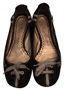 Juicy Couture Black and white Flats