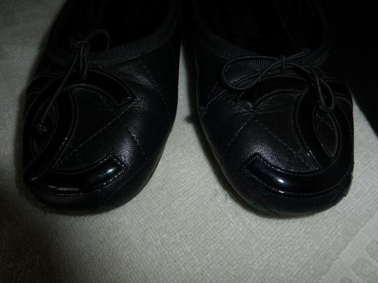 Chanel quilted black leather Flats