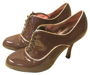 Martinez Valero Brown Pumps