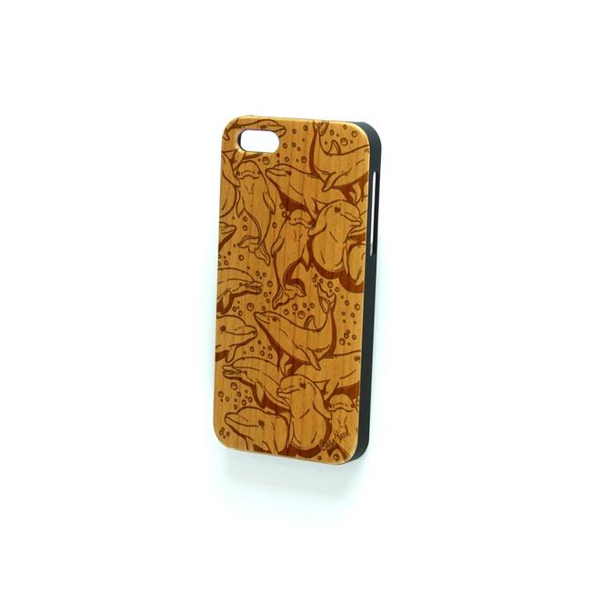 Case Yard Brown New Cherry Wood Iphone with Dolphin Design Iphone 7+ Tech Accessory Case Yard Brown New Cherry Wood Iphone with Dolphin Design Iphone 7+ Tech Accessory Image 1