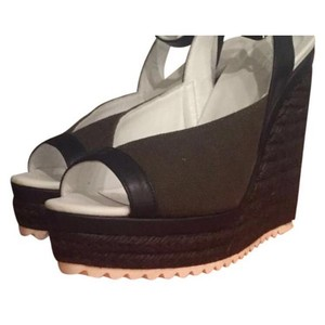 Hermès Kaki Wedges