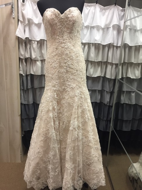 Allure Bridals Ivory/Light Gold 8958 Wedding Dress Size 10 (M) Allure Bridals Ivory/Light Gold 8958 Wedding Dress Size 10 (M) Image 1