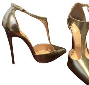 Christian Louboutin light gold Pumps