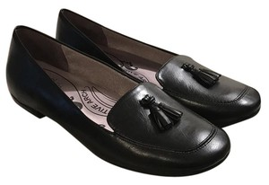 LifeStride Black Flats