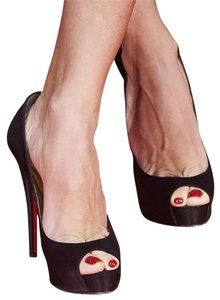 Christian Louboutin Size 37 Black Pumps