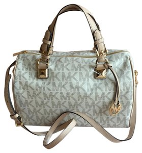 Michael Kors Satchel in vanilla white