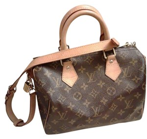 Louis Vuitton Messenger Bandouliere 25 Cross Body Bag
