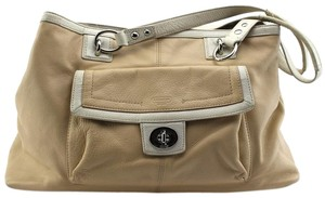 Coach Tote in Tan, ivory