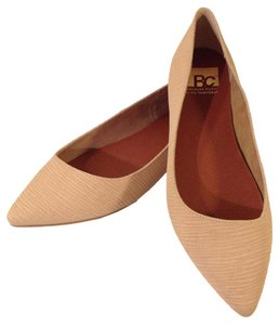 BC Footwear Vamp Date Night Pointed Toe Nude Flats
