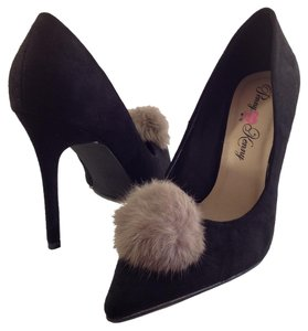 Penny Loves Kenny #pompom #pointed #stiletto #fur #suede Black Pumps