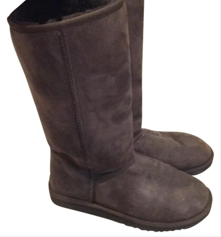 07b682860cd UGG Australia Brown Classic Tall Uggs Boots/Booties Size US 8 Regular (M,  B) 42% off retail
