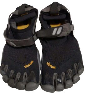 Vibram Fivefingers Black Athletic