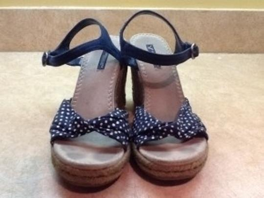 American Eagle Outfitters Navy Blue with White Polka Dots Wedges