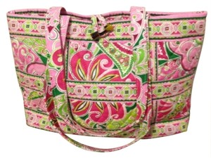 Vera Bradley Collectable Tote in Pinkwheel Pink