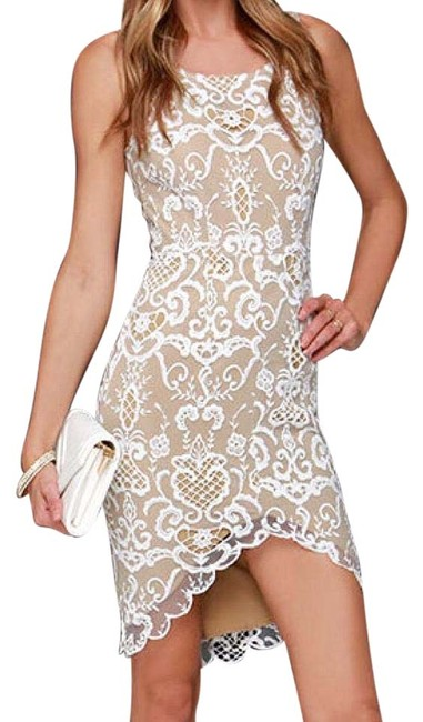 Item - White Porcelain Lace In Knee Length Cocktail Dress Size 8 (M)