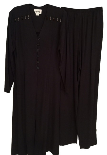 Preload https://item5.tradesy.com/images/black-with-long-jacket-pant-suit-size-4-s-2033169-0-0.jpg?width=400&height=650