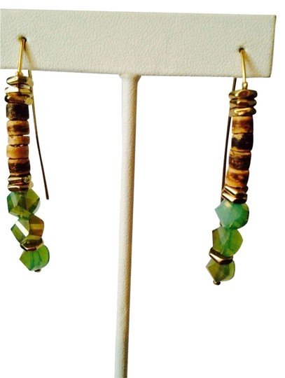 Preload https://item3.tradesy.com/images/kenneth-cole-light-wood-and-lime-green-disc-faceted-bead-wire-earrings-2033172-0-0.jpg?width=440&height=440