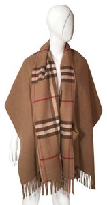 Burberry Novacheck Pocket Scarf