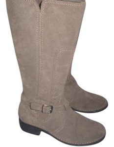 Clarks Riding Leather Beige Boots