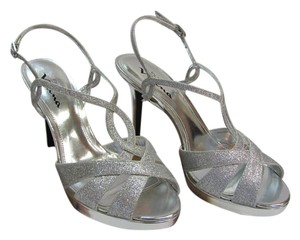Nina Brand New Size 10.00 M Excellent Condition Silver Formal
