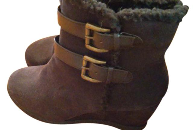 Brown Classic Boots/Booties Size US 7 Regular (M, B) Brown Classic Boots/Booties Size US 7 Regular (M, B) Image 1
