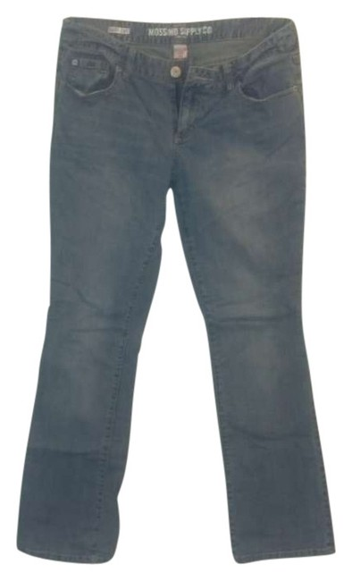 Preload https://img-static.tradesy.com/item/203353/mossimo-supply-co-blue-light-wash-boot-cut-jeans-size-33-10-m-0-0-650-650.jpg