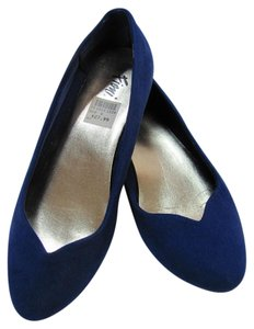 Fioni Size 6.00 M Very Good Condition Blue Flats