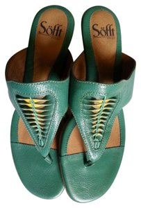 Sofft Green w/ Yellow Sandals