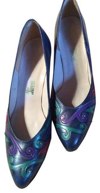 Item - Multi-colored Sz. Pumps Size US 8.5