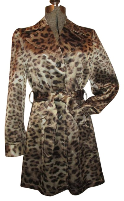 Preload https://img-static.tradesy.com/item/20339074/jones-new-york-tan-and-brown-animal-print-collection-belted-trench-coat-size-8-m-0-1-650-650.jpg