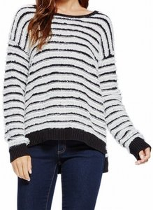 Vince Camuto 9065218 Boat-neck Sweater