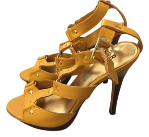 Bakers Heels Wedding Yellow Pumps