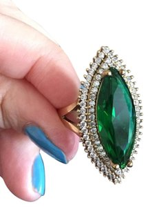 NEW SOLID STERLING SILVER RING WITH EMERALD and TOPAZ.