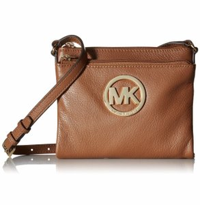 Michael Kors #michaelkors #crossbody #luggage #jetsetter #bags Cross Body Bag