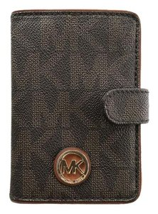 Michael Kors Michael Kors Fulton Passport Case in Brown