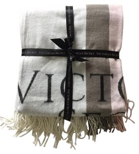 Victoria's Secret Victoria's Secret VS Throw Soft Winter Blanket - LIMITED EDITION