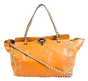Valentino Garavani Light Cuir Tan Gold Leather Studded Tote in Brown