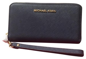 Michael Kors Wristlet in navy blue