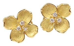 Tiffany & Co. Rare Vintage Tiffany & Co 18K Gold Diamond Dogwood Flower Stud Earring